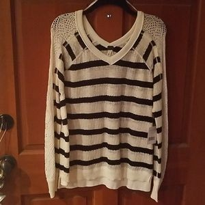 NWT FREE PEOPLE Sweater Sz P S- V neck